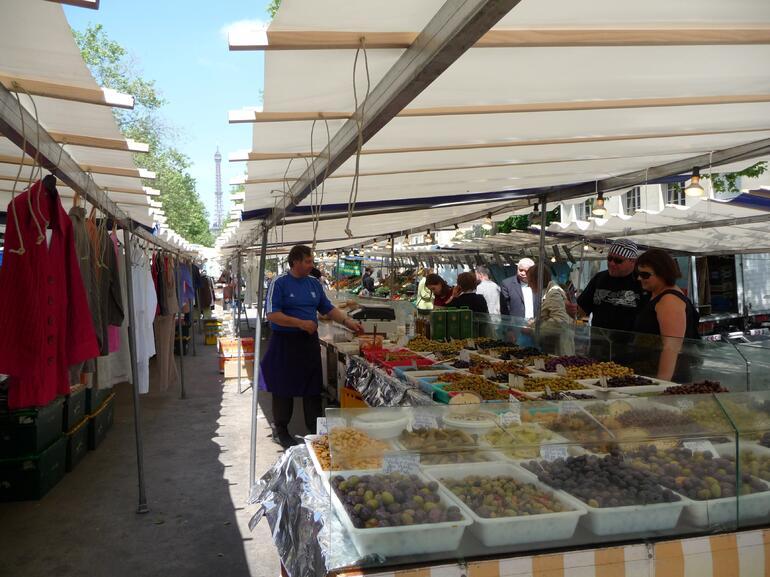 Saxe Beteuil market -