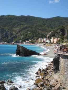 We think Monterosso's coastline is absolutely beautiful!, Cynthia W - October 2009