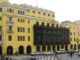 A building in downtown Lima., Bandit - June 2012