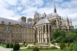 After visiting G.H.Mumm, we were able to visit this beautiful cathedral that bore witness to nearly all coronations in France. , Jeff & Kathy - July 2012