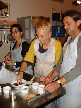 """Jilda and Salvio prepare the """"Tara-misu""""! - November 2008"""