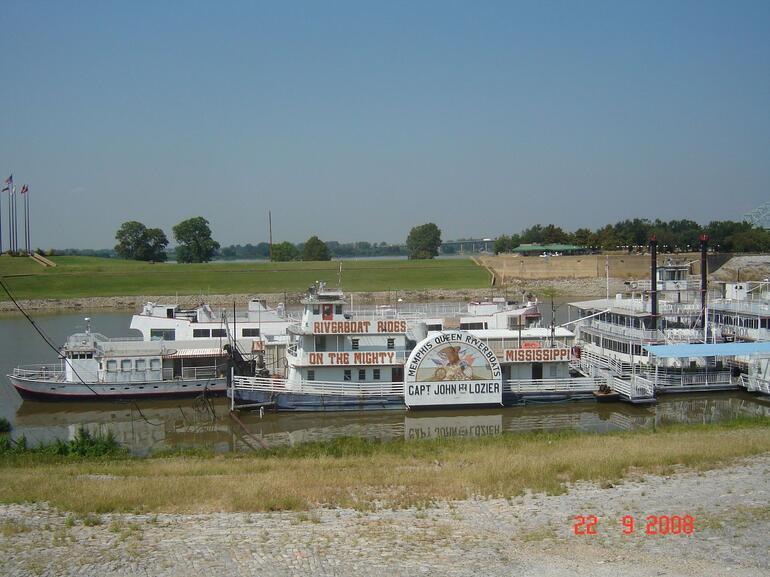 The Riverboat Trip - Memphis
