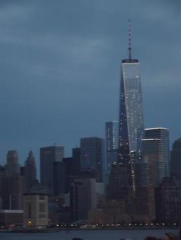 le seul moment où nous avons eu un peu de la skyline de nuit !!! , MARIETTE G - June 2014