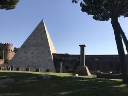 Pyramid in Testaccio cemetery! , Peter R - November 2017