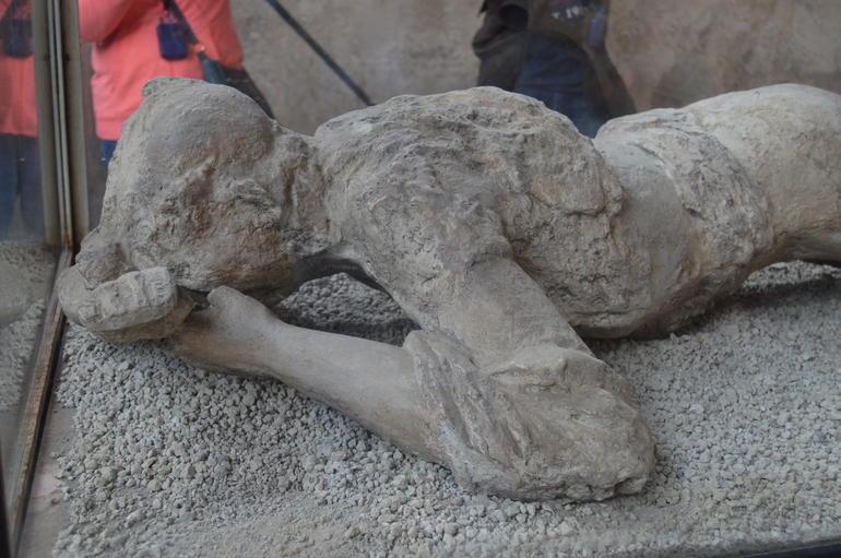 Pompeii and Mt. Vesuvius Day Trip from Rome