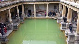 Foto de dentro dos banhos em Bath , Adolfo - April 2015