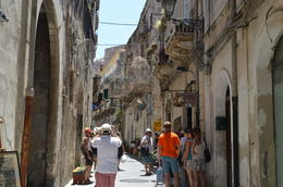 Walking guided tour round the interesting streets of Ortygia , Sheila H - July 2014