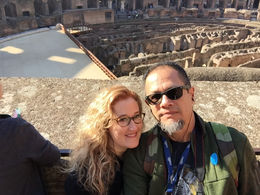 When in Rome, do as the Roman tourists do! , Joe B - December 2015