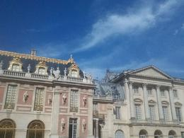 Another wing of the palace...the contrast! , Natalie P - August 2016