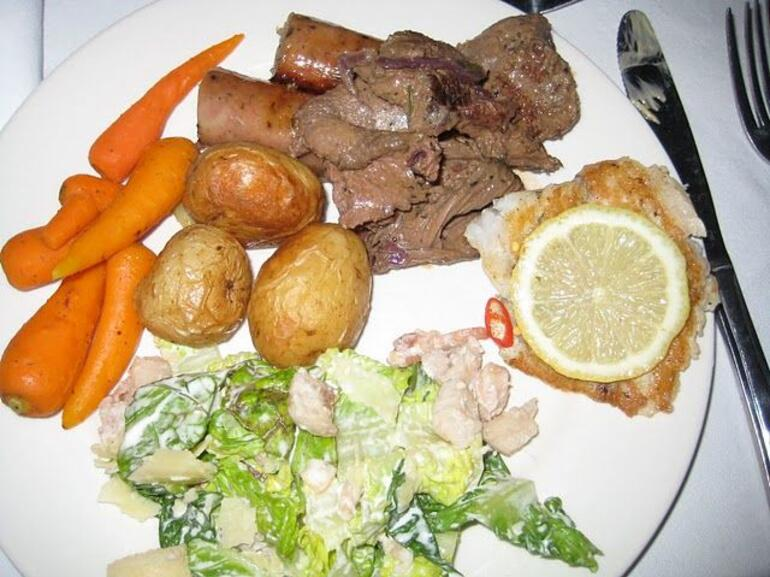 Dinner plate - Ayers Rock