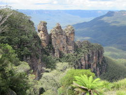 The Three Sisters in the Blue Mountains , GNGator - March 2017