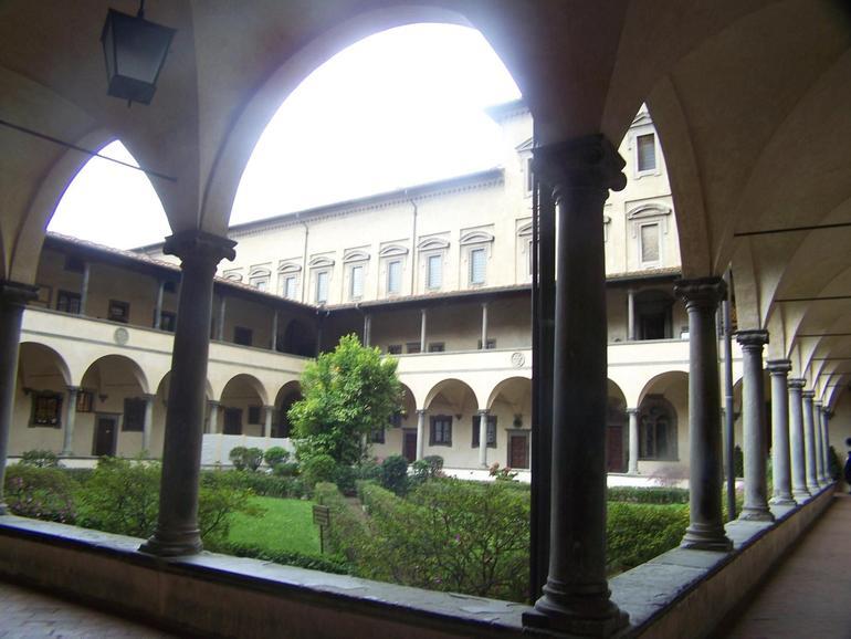Cloister of San Lorenzo - Florence
