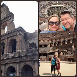 Idag blev det Forum Romanum och Colosseum. Magiskt med access till arenan, nedersta plan där djur och slavar hölls fånga, samt översta plan med gigantisk utsikt över hela..., Maria NÖ - September 2015