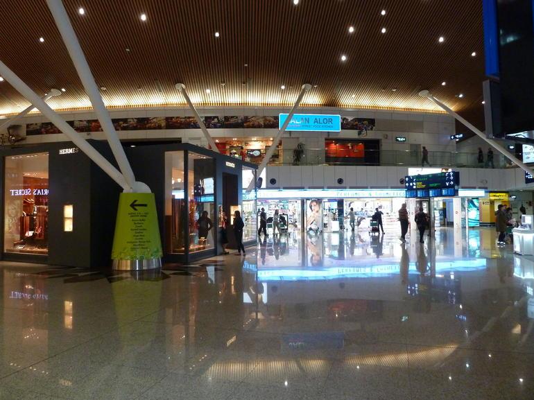 KL Airport shops - Kuala Lumpur