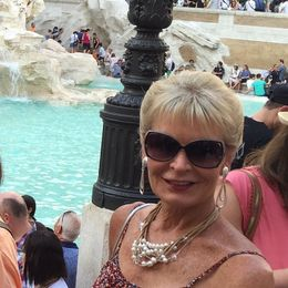I love the Trevie Fountain, as did hundreds of others. Glad I had seen it at a different time of year and could get close. It was still beautiful and so glad I was able to come again. , Phoebe - July 2016