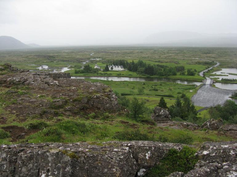 Thingvellir valley - Reykjavik