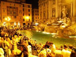 O que é mais bonito que a Fontana di Trevi? Ela mesma, à noite!!! , PC Rodrigues - September 2013