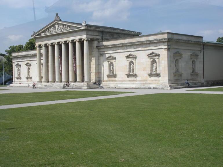 156 Antikensammlung Museum - Munich
