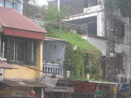 Love the Old Hanoi terrace houses, Undercover Américan - October 2010