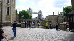 View of the Tower Bridge from the courtyard of Tower of London. , Richguitar - June 2017