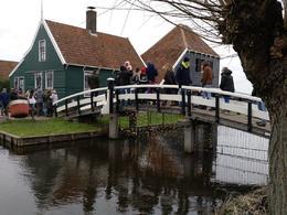 Puente sobre un canal , Ricard - January 2018