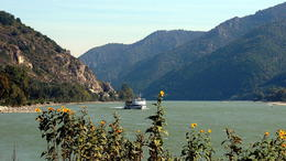 Wachau valley at Spitz , C S - October 2013