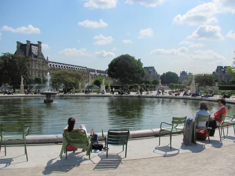 Gardens near the Louvre - Paris