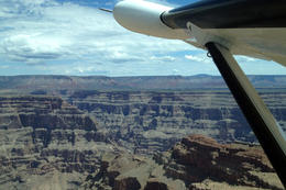 Flying over the Grand Canyon, Jules & Brock - August 2012