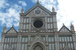 Has Tombs of the Great: Michelangelo, Galileo, Macchiavelli., Pat - May 2008