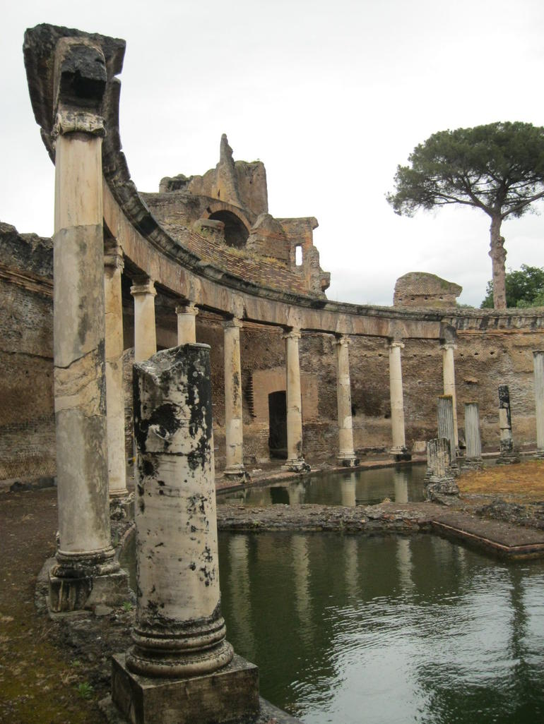 Thermes antiques de la villa d'Hadrien - Rome