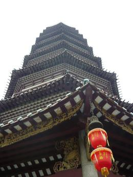 Buddhist temple in Guangzhou , Ronald H - February 2013