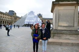 Starting out on our first full day in Paris got in day before aboard the Eurostar from London with Laurine for the Louvre and then Alex in the afternoon for Eiffel, Cathedral of the Notre Dame, ... , yolyhandy - May 2016
