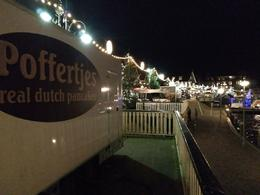 Volendam, con su iluminación navideña , Ricard - January 2018