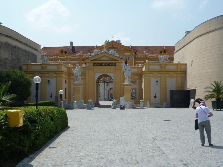 Entrance. - Vienna