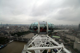 London Eye capturing the capsule and the background of London , mjy1976 - September 2015