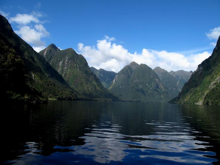 Peaceful in the sound - Fiordland & Milford Sound
