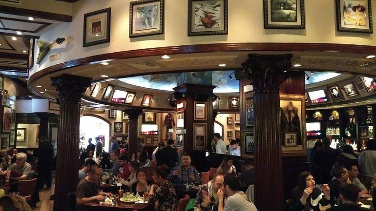 Skip the Line: Hard Rock Cafe Rome Including Meal photo 9
