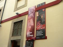 Uma pequena visão de por onde se entra na Accademia. , PC Rodrigues - September 2013