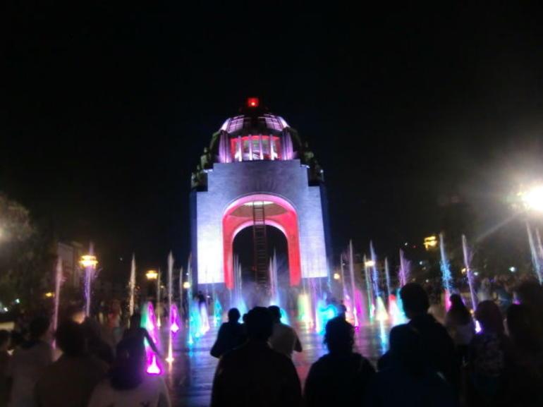Revolución @Night - Mexico City