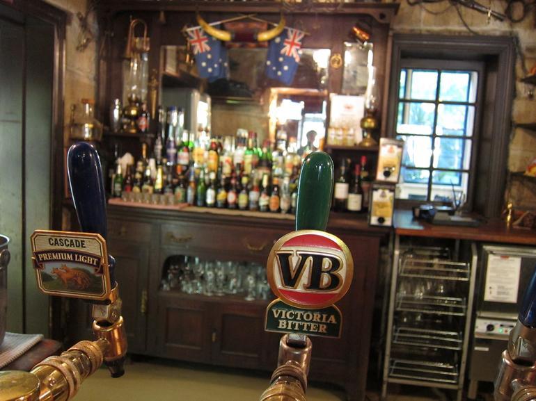 Settlers Arms Bar -