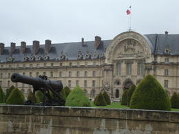 Before storming the Bastille... revolutionaries started the day at Invalides. , BobS - May 2014