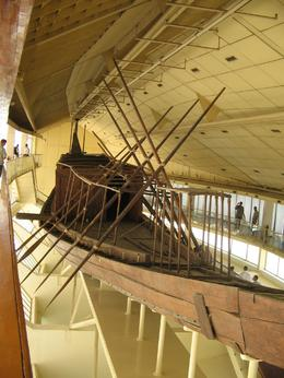 ORIGINAL KING CHEOPS BOAT EXCAVATED FROM NEXT TO THE PYRAMID IN ASTOUNDINGLY PRESERVED. HARD TO BELIEVE THESE THINGS ARE 4500 YEARS OLD - August 2010