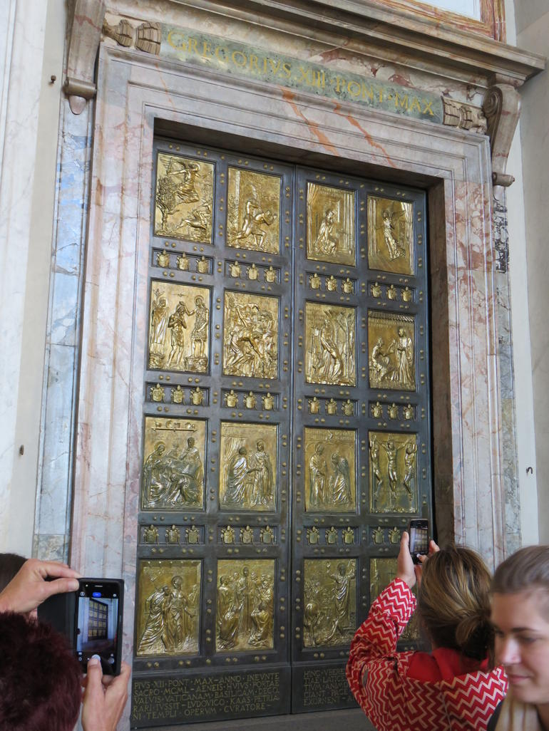 Fast Track - Vatican Museums, Sistine Chapel and St Peter's Basilica Tour photo 27