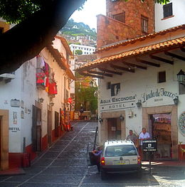 A beautiful plaza in Taxco , samgabe - June 2016