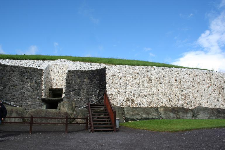 Entrance to Newgrange - Dublin