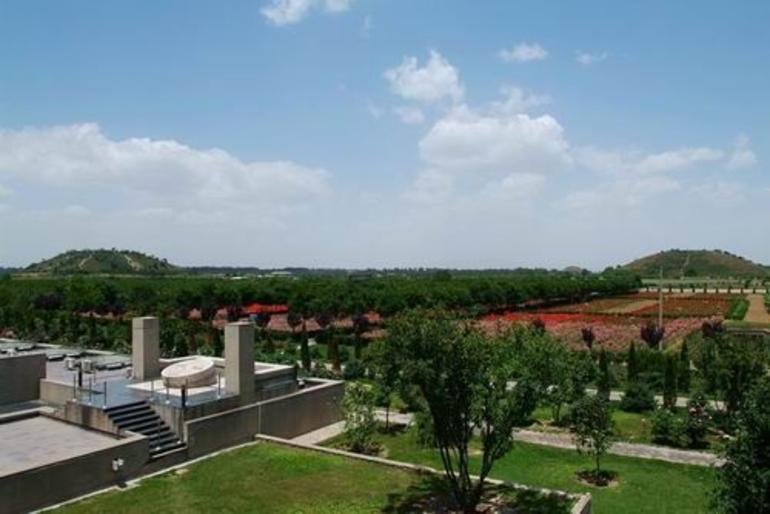 Hanyangling Tomb - Xian