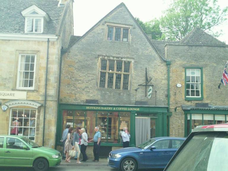 Huffkins in Stow on the Wold - London