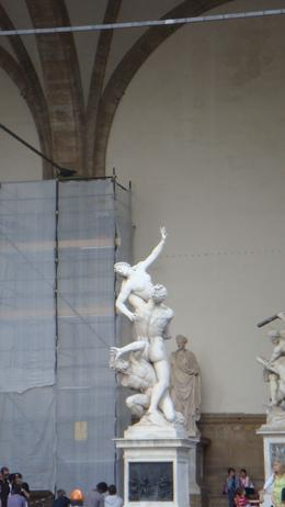 Statues leading to the Uffizi Gallery., Sadaf R - June 2008