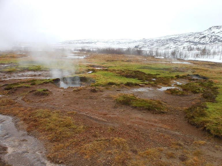 Geysir and Strokkur hot springs - Reykjavik
