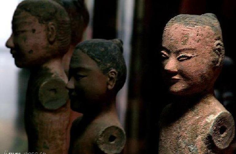 Statues - Xian